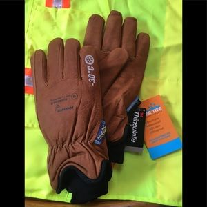 Other - NWT! Waterproof Winter Goatskin leather gloves XL